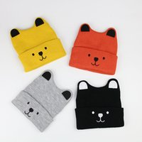 Härlig hund design varm stickad hatt rena färger stil söta öron och ansikte liten varg lock för baby 15 * 17cm storlek