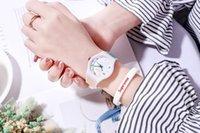 Mens relojes de las mujeres del silicón de Ginebra del reloj para niños Relojes de pulsera de cuarzo colorido niñas niños libres del envío Reloj