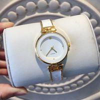 2020 새로운 스타일 패션 시계 뜨거운 판매 인기 여성 손목 시계 표 쿼츠 시계 캐주얼 여성 시계 명품 시계 드레스 최고의 품질 클리오