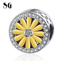 SG New 925 prata bonito pequeno daisy Rodada contas encantos Ouro Branco CZ Flor Fit Bracelet Europa por Mulheres DIY Jóias