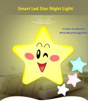 Mini cute star LED Night Light UE / USA AC 110-220V Pulg zoccolo di bambini sensore di luce luce sul comodino lampada da parete di controllo per bambini di notte della lampada