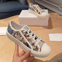 Designer Dame flache beiläufige Schuhe Leder Plattform Sneaker Letters Spitzen-up Luxus-Frau Schuhe Mode neue Männer druckten Schuhe Größe 42-44