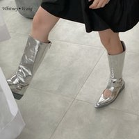 Botas Whitney Wang 2021 Otoño Moda Streetwear Estilo de diseñador Dulce Heart Hollow Out Metallic P Pu Mujeres elegantes zapatos