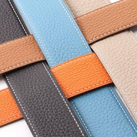 Widefiling Fashion Donne Lettera Metallo Pin Cinture in pelle cintura in pelle cintura cintura con scatola Il regalo per la fidanzata