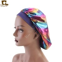 Lazer Caps Müslüman Kadınlar Geniş Stretch İpek Saten Nefes Bandana Bonnet Kafatası Cap Kemo Şapka D82702 Turban Şapka Tasarımcısı Sleeping