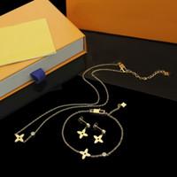 Europa Amerika Mode Stil Schmuck Sets Dame Frauen Initialen Einzelne Diamant Vier Blatt Blume Charme Halskette Armband Ohrstecker Sets