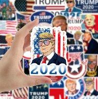 Donald Trump 2020 Autoaufkleber Poster Autoaufkleber Flagge Halten Make Amerika Große Abziehbilder für Car Styling Fahrzeug Paster 50pcs / pack D91705