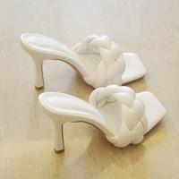 Nuevos tejidos tejidos de tacón alto diapositivas sandalias de mujer de punta cuadrada