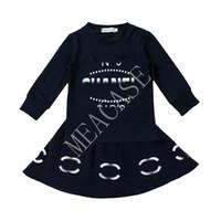 A impressão da letra dos miúdos Treino INS manga comprida Tops camisola saia curta dois equipamentos Pieces 2020 Autumn Winter Baby Girl Dress Suit D81013