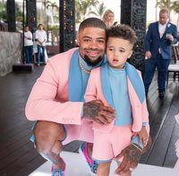 Hombres rosados Trajes de 2 piezas Slim Fit Azul Show Shawl Blazer Boda novios TUXEDOS One Button Summer Beach Traje Chaqueta y pantalones cortos
