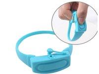 Nuova casa Hand Sanitizer disinfettante Sotto-imballaggio del braccialetto del silicone Wristband Distributore di Wearable Hand Sanitizer Dosatori