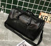 55cm Haute Qualité Épaule Hommes Empreinte Designer de luxe Voyage Bagage Bagage Bandbody Hommes Totes Pu cuir Duffel Sacs à main Duffle Sacs