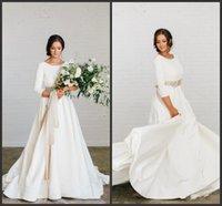 Stilvolle Boho a-line Weiche Satin bescheidene Brautkleider mit 3/4 Ärmeln Perlen Blet Low Back Country Bridal Kleider kundenspezifisch gefertigt