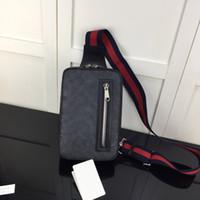 Натуральная кожа Мужской Сундук сумка Мужская сумка Crossbody Мужчины Одноместный плечевой ремень рюкзака Повседневные дорожные сумки
