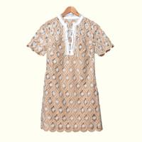 2020 cinta del bordado de primavera y verano de manga corta con cuello en V con paneles lazo corto Mini vestido de las mujeres de moda los vestidos de W1815071