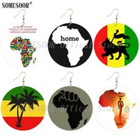 SOMESOOR Afrikanische Karte Holz-Tropfen-Ohrringe schwarze Energie-Faust Afro Ethnic Lion Headwrap Frau druckten beide Seiten für Frauen Geschenke