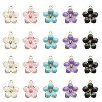 Großhandels100pcs Art und Weise klassische nette Emaille-Blumen-Charme-Anhänger-Halsketten-Armband DIY einzigartige Frauen Schmucksache-Zusatz