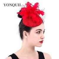 Mode féminine rouge élégant chapeau bibi plumes fleur clips cheveux de mariage royal chapeaux casemate derby accessoires cheveux mariée SYF377