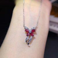Natural rojo colgante de piedras preciosas rubí de collar con estilo regalo vendedor caliente de cumpleaños niño se presenta estilo de la mariposa de plata