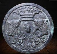 Collezione di oggetti d'antiquariato, retro, artigianato vario, ottone e bronzo, ornamenti antichi e vecchi ornamenti di rame, specchi in bronzo