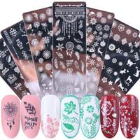 Nail Art Stamping Plaques Autocollants flocon de neige Feuille Fleurs de Noël Papillon Chat Nail Art Stamp Modèles Pochoirs design manucure polonaise