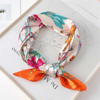 Lady seda cabello bufanda moda impresión diseño bolso bufandas chal y envueltos mujeres bandana foulard femenino cuello accesorios nuevo
