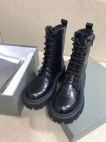 أحذية الأحذية الكلاسيكية الجلد مطرز من جانب مفتوح هو لينة وصعبة ارتداء بارد وعصر