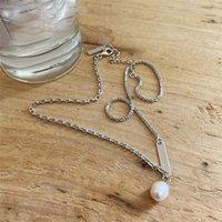 Natürliche Frischwasserperlen-hängende Halsketten für Frauen Wedding Party Gifts 100% 925 Sterlingsilber Asymmetrische Gliederkette Halskette
