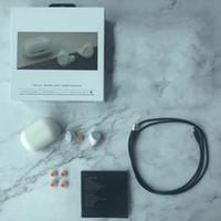 Moda Auriculares Bluetooth Clásica TWS famoso estilista TWS auricular inalámbrico Gracia HeadPhones Negro Blanco 3 colores disponibles