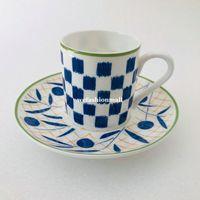 Европейский стиль Роскошная керамика Кофейная чашка и блюдце Топ-класс Кость Китай Кубок Кубок Набор фарфоровые пары кружка Домохозяйственный подарок