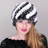 Beanie / Kafatası Kapaklar Kış Sıcak Kadın Örme Gerçek Rex Kürk Şapka Doğal Çizgili Kap Kadın Headgear Rahat MZ023