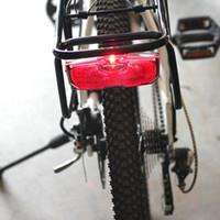 Bici di riciclaggio della bicicletta riflettore posteriore Fanale posteriore per i bagagli Rack NO batteria in lega di alluminio riflettente del fanale posteriore Accessori