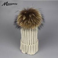 Mütze / Schädelkappen 2021 Frauen Pelz Pompon Hut für Winter gestrickte Wollmützen Kappe Flaumy Pompom Hüte Marke Mode Lässig Gute Qualität