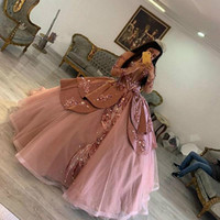 Tozlu Pembe Prenses Quinceanera Modelleri 2020 Rose Gold Pullarda Kapalı Omuz Uzun Kollu Yarışması Parti Elbise vestidos de 15 Años