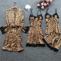 Vêtements de nuit pour femmes 4 pièces Femmes Pyjama Ensembles Satin Soie Nightwear Nightwears Pajama Spaghetti Strap Sleep Lounge Pijama avec coussinets de poitrine