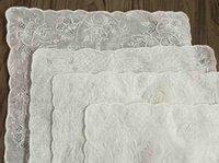 """Cuelgos del cuello 4pcs Handkerchiegros de las mujeres de la novedad 11.5x11.5 """"Lino irlandés Pañuelo Bordado Vintage Floral Hankies Hanky para regalos nupciales"""