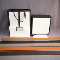 Nueva manera de la correa Hombre Mujer Cinturones de cuero 3 colores Smooth hebilla de cinturón ancho de 38 mm de la venta caliente de calidad superior con la caja