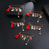 Weihnachtsdekorationen Kinderkleidung Schal Werkzeuge Brosche Pins Zubehör Niedliche Cartoon Pin Santa Elch Schneemann Schnalle Dekor