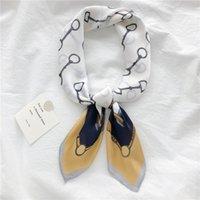 Шарфы дельфин ленты волос маленький квадратный шарф 70 * 70 старинные классические шифоновые шелковые шеи элегантные лошадиные дамы повязка на голову бандана