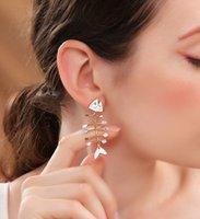 Frauen arbeiten modische Schmucksachen Sterlingsilber-S925 baumeln Ohrringe Petty Fischgräte-Form-Ohrringe