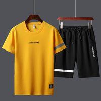 ternos de trilha do esporte dos homens de Verão de alta qualidade camisetas Shorts Define poliéster Fashioin tracksuits T-shirt Bermuda Board Shorts Impresso