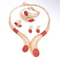 Banquete de casamento contas acessórios africanos conjuntos de jóias Red strass cor do ouro Colar de noiva Pulseira Brincos Anéis Set