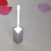 7 ml Contenitore di plastica cosmetico con luce LED quadrato trasparente trasparente labbra vuota tubo lucido bottiglia ricaricabile 2 tappi a colori sono disponibili