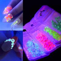 1Pack Luminous CrystalAB Nail Strass Mix Größe Glitter Glas Gem 3D Charm Flatback Strass Fluoreszenz-Nagel-Kunst-Dekorationen