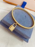 Лучший продавец браслет высококачественный титановый сталь браслет мода формы шарм браслет верхняя ювелирная поставка оптом