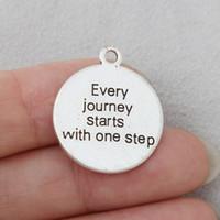 Bulk 200pcs Fashion LOY Ogni viaggio inizia con un gradino rotondo messaggi charms 21 * 25mm argento antico placcato