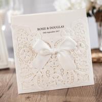 50pcs WISHMADE Laser Cut mariage carte Invitations avec bowknot perle creuse florale RSVP et carte de remerciements personnalisable CW6112