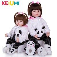 KEIUMI Ragazze Panno corpo ripiene realistici bambini del giocattolo della bambola realistica Reborn usura del bambino Panda Abbigliamento Kid Natale regali di compleanno