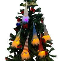 Ornements de Noël de Noël ornements Décorations lumières de Noël Gloine Santa Famille Santa Family Shopping Mall Scène d'hôtel Disposition XD23950