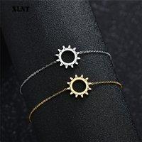 XLNT Pulseras redondas simples para las mujeres Charm de oro con patrón de sol de sol Pulseras geométricas Joyas de acero inoxidable